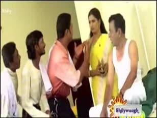 bhuvaneshwari-saree-strip-hq www.savevid.com